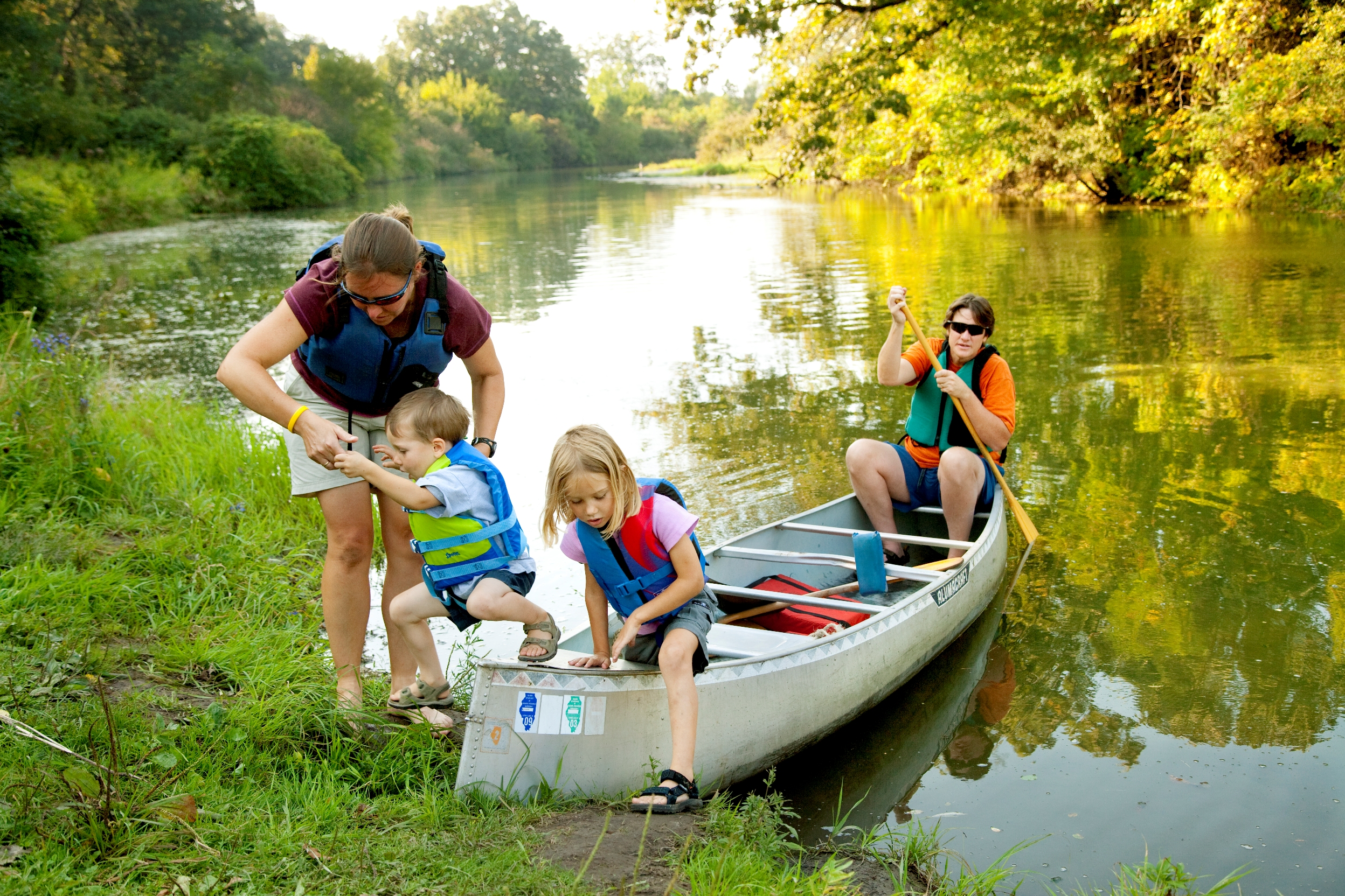 Stand Up Paddle Boarding: A Fun Way to Achieve Health and Fitness