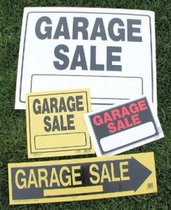 garage-sale-signs-326x400