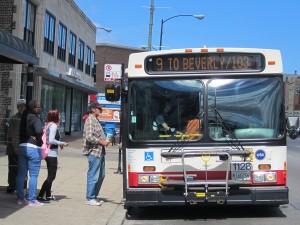 A southbound #9 Ashland bus / Photo: John Greenfield
