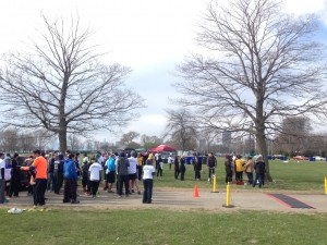 Participants lined up to start the Phi Delta Chi 5K/Photo: Zach Freeman