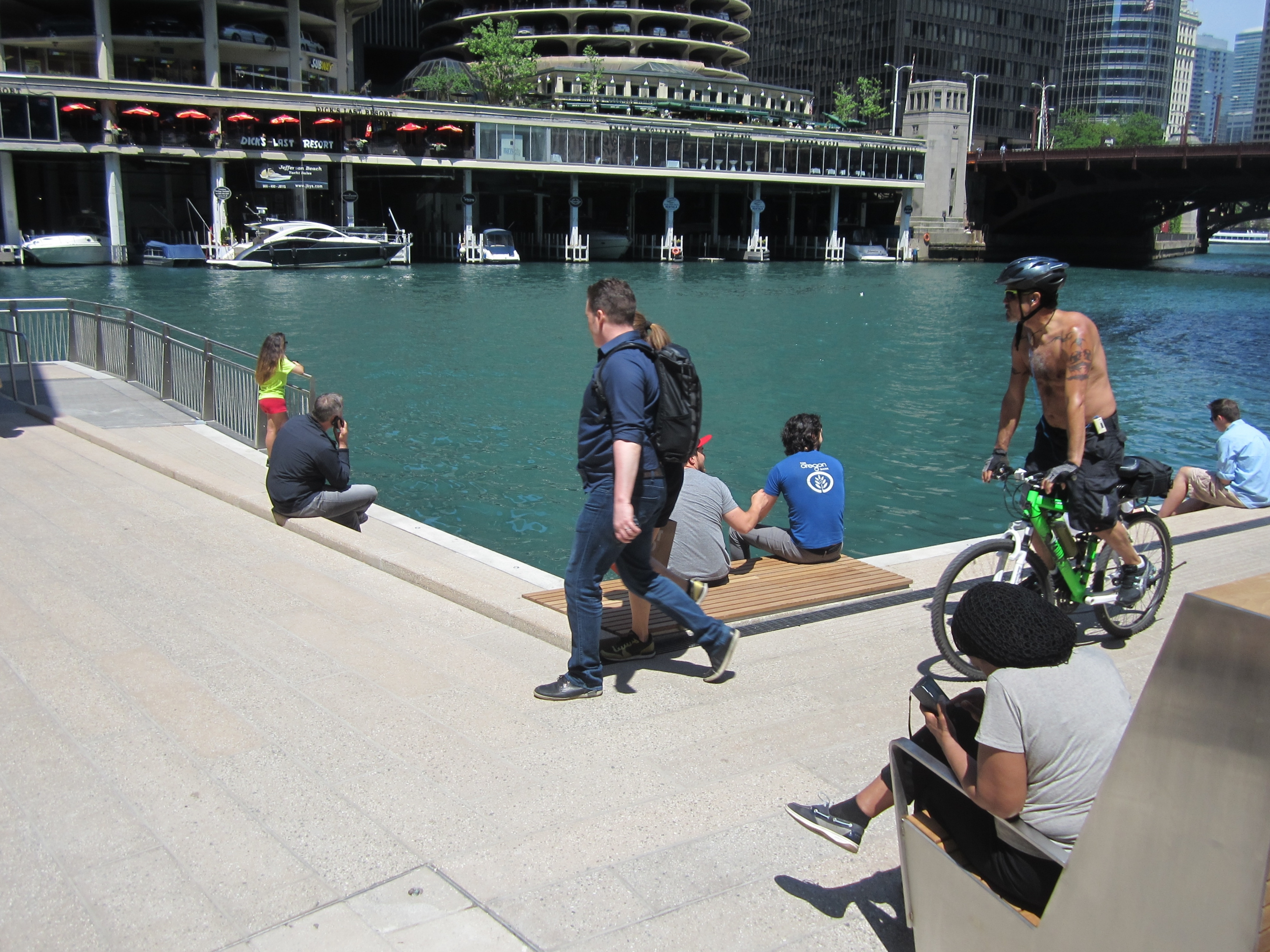 Tight turns and bottlenecks making cycling on the riverwalk a tricky endeavor. Photo: John Greenfield